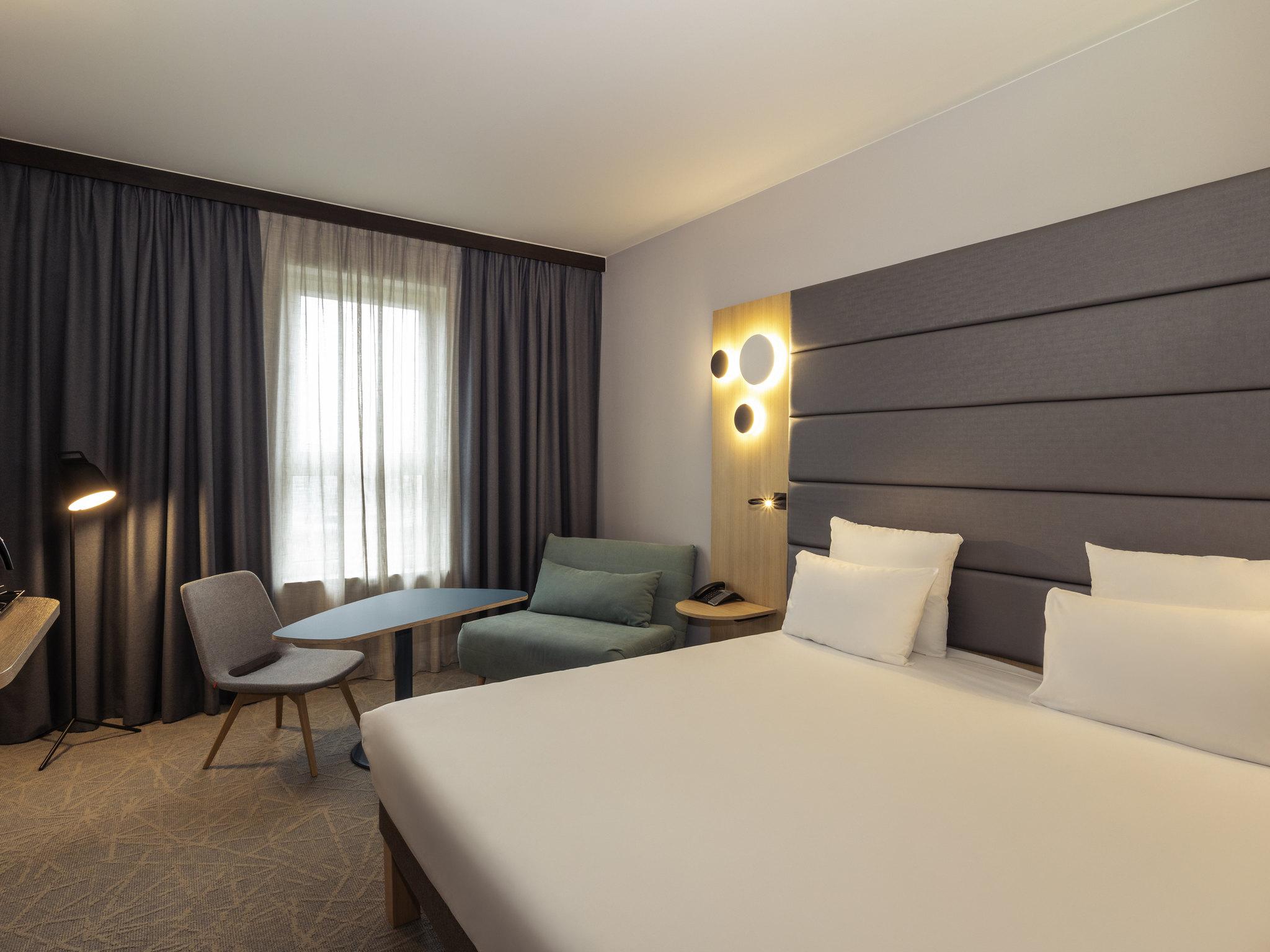 酒店 – 布鲁塞尔中央车站诺富特酒店(2014 年 4 月开业)