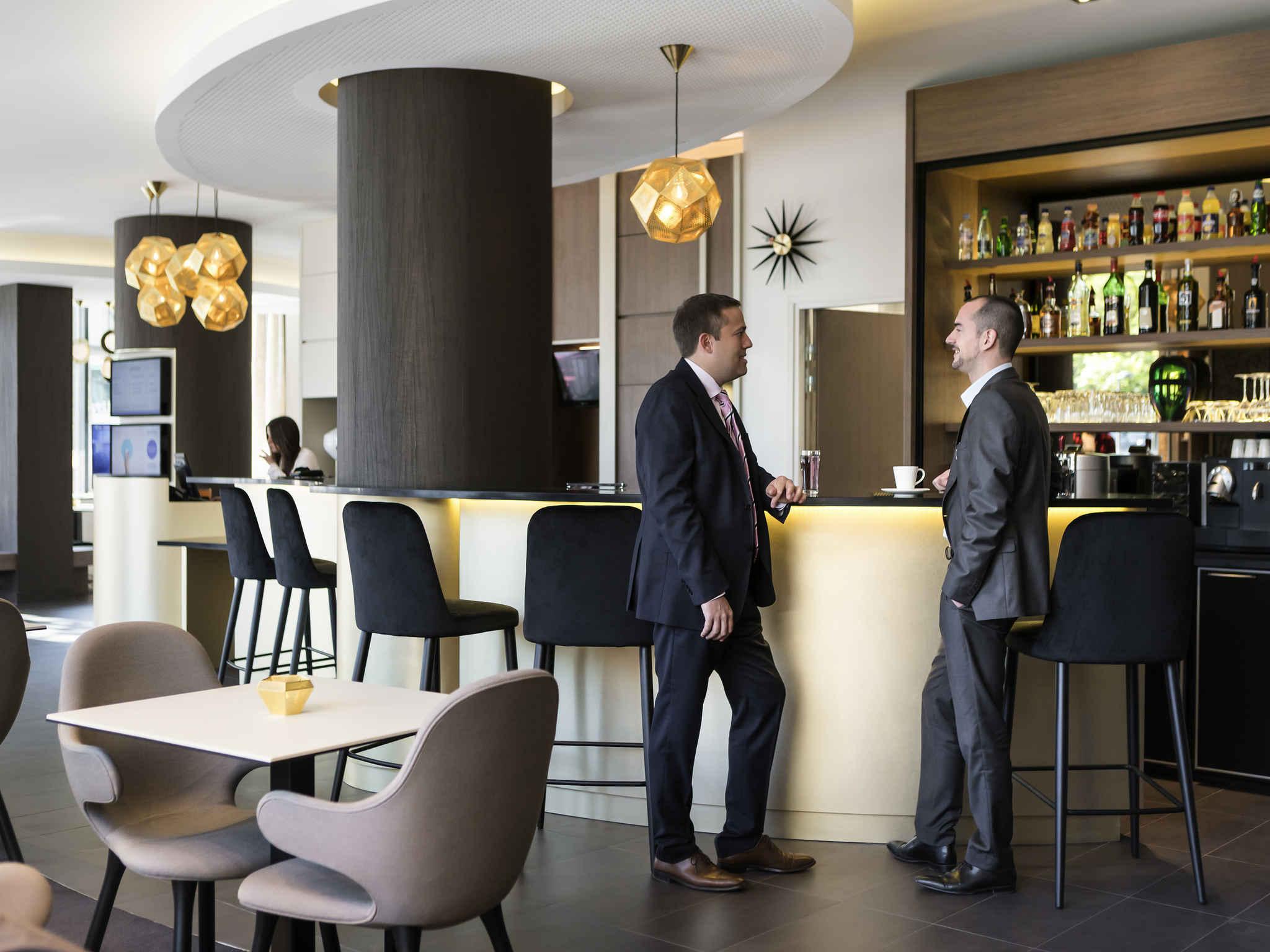 Bar Novotel Suites Paris Expo