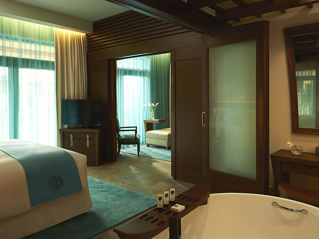 Amazing Luxury Hotel DUBAI U2013 Sofitel Dubai The Palm Luxury Apartments