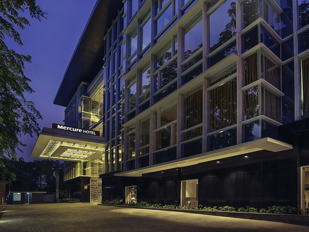 Mercure jakarta sabang international 4 star hotel for 4 star hotel
