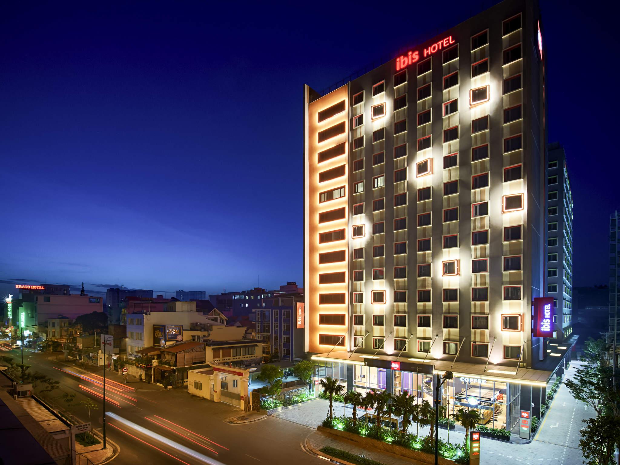 Hotel – Ibis Saigon Airport