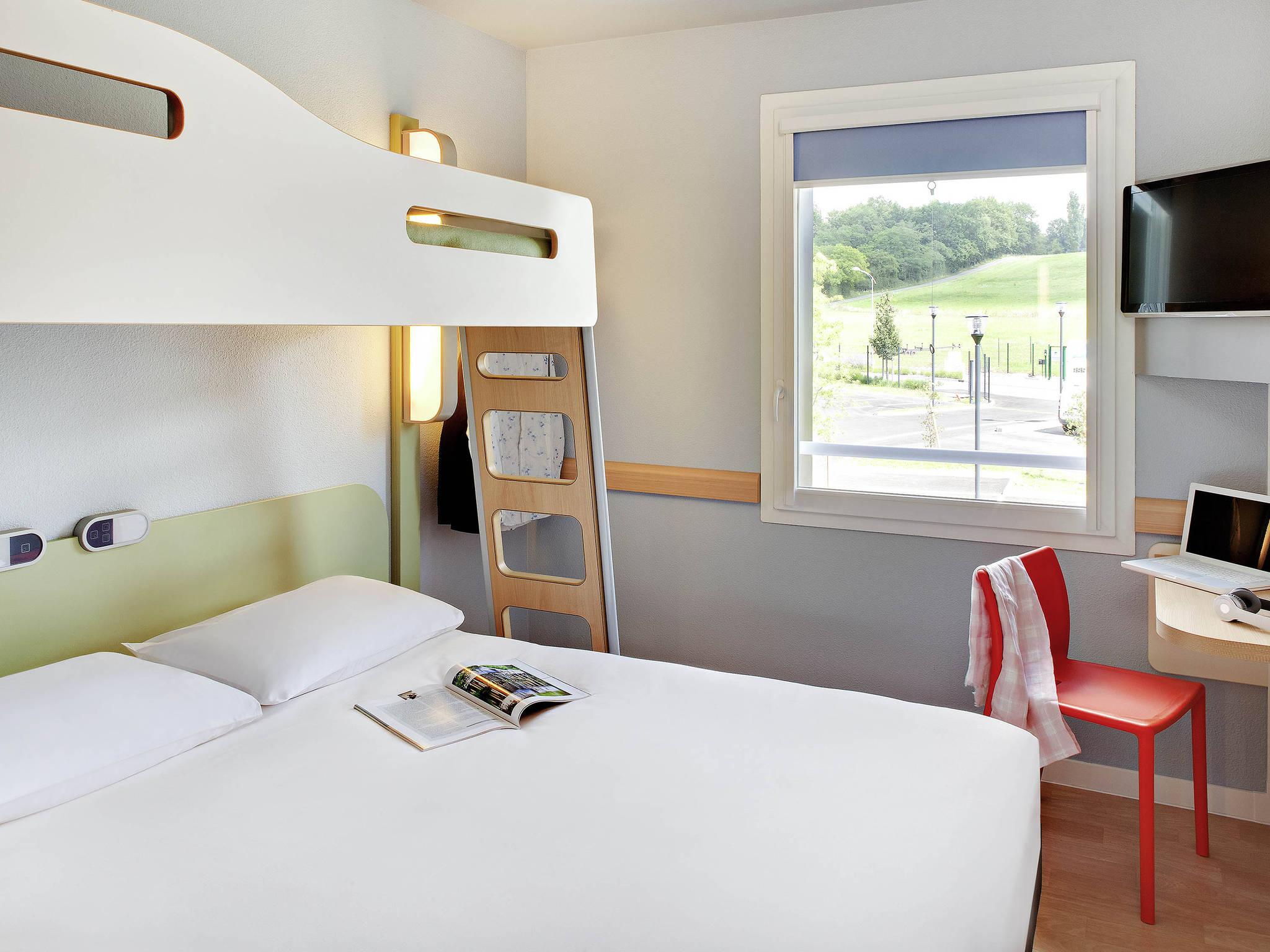 Cool chambres ibis budget saint pourcain sur sioule with for Ibis budget douche dans la chambre