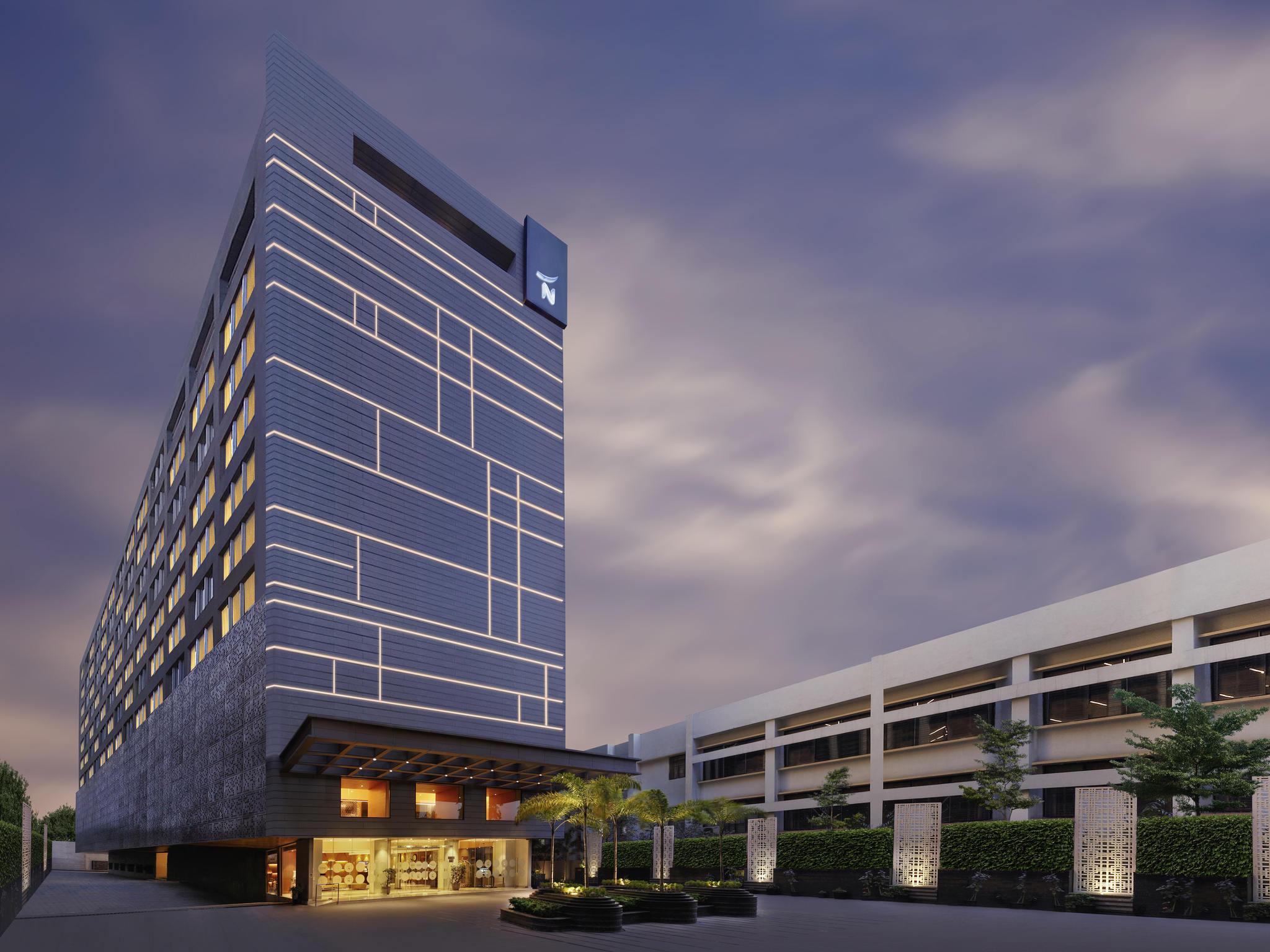 โรงแรม – Novotel Guwahati GS Road
