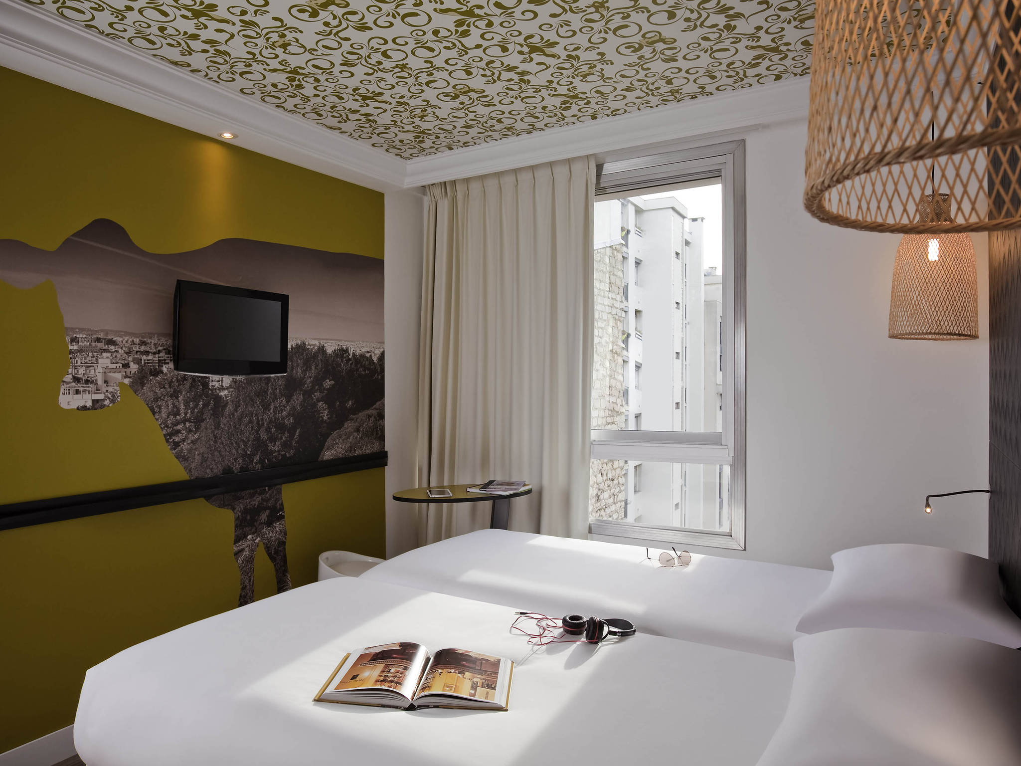 Hotel in paris ibis styles paris buttes chaumont for Style hotel