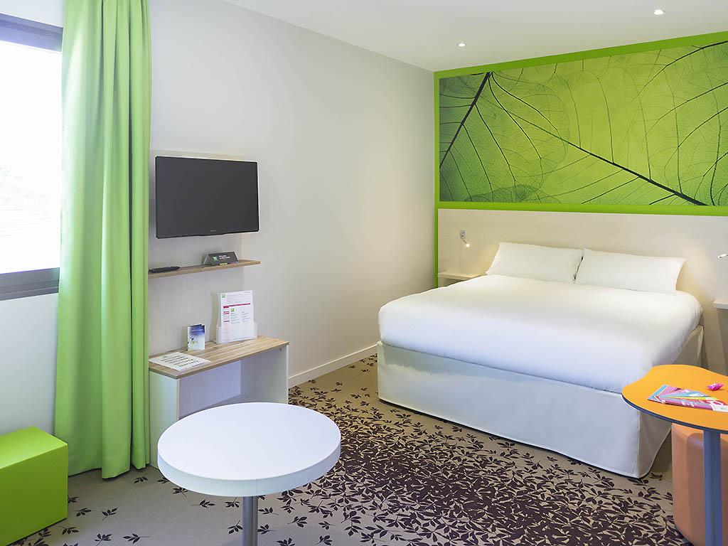 Hotel in villeneuve sur lot ibis styles villeneuve sur lot for Chambre de commerce villeneuve sur lot