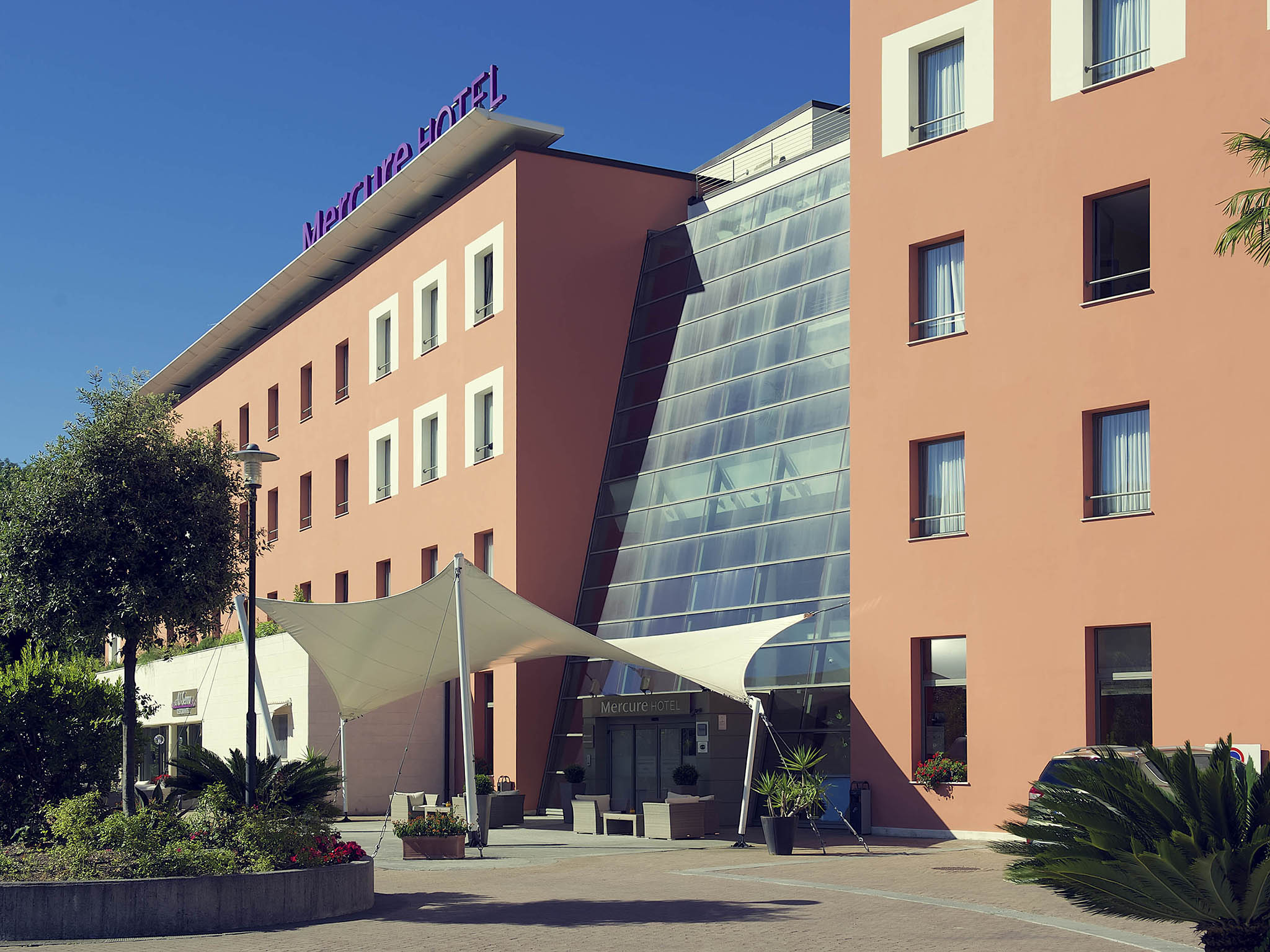 Отель — Mercure Генуя Сан-Биаджо