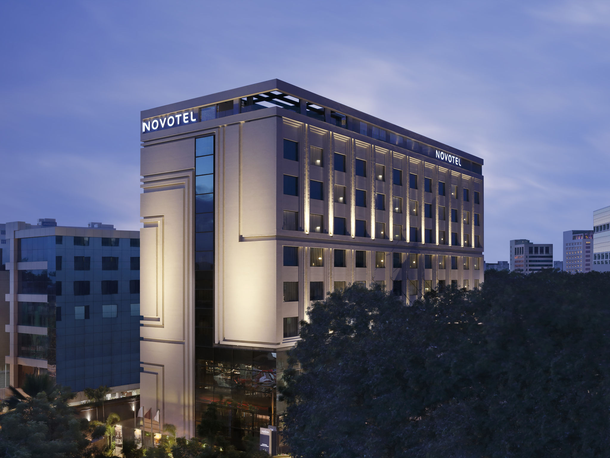 Hotel – Novotel Chennai Chamiers Road