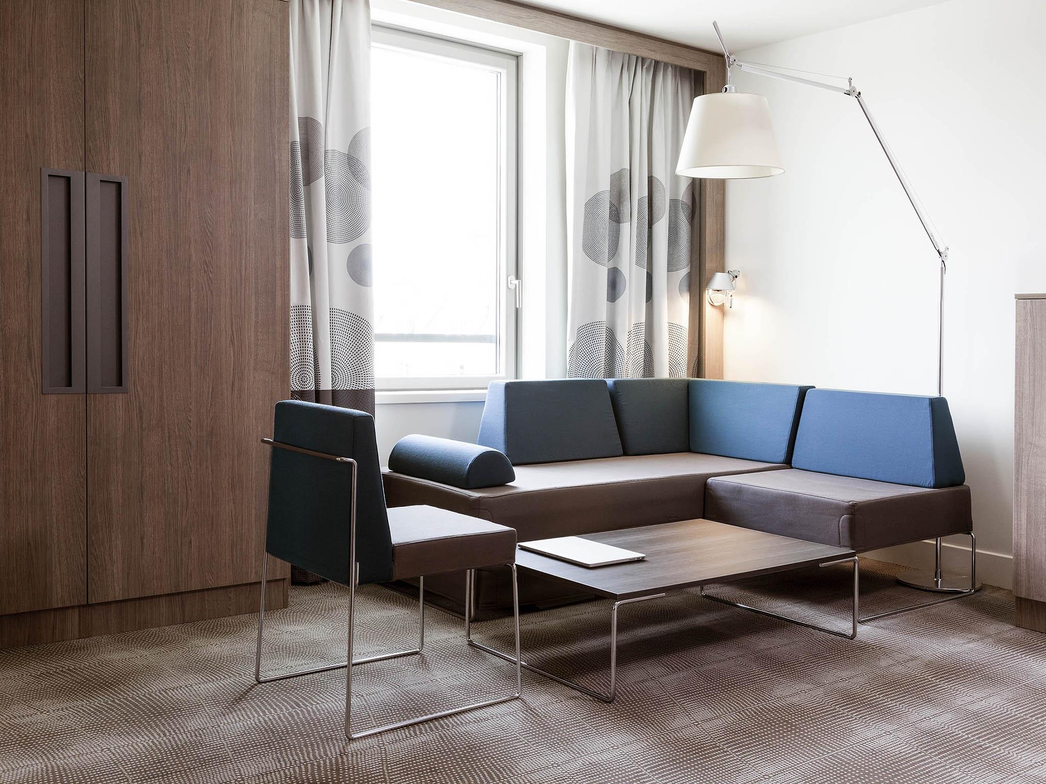 Hotel In Saint Denis Novotel Paris Stade Basilique Ibis Tek Light Bar Wiring Harness Rooms