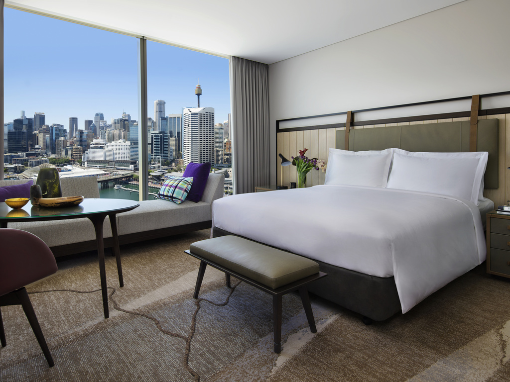Superior Room 1 King Size Bed Darling Harbour View