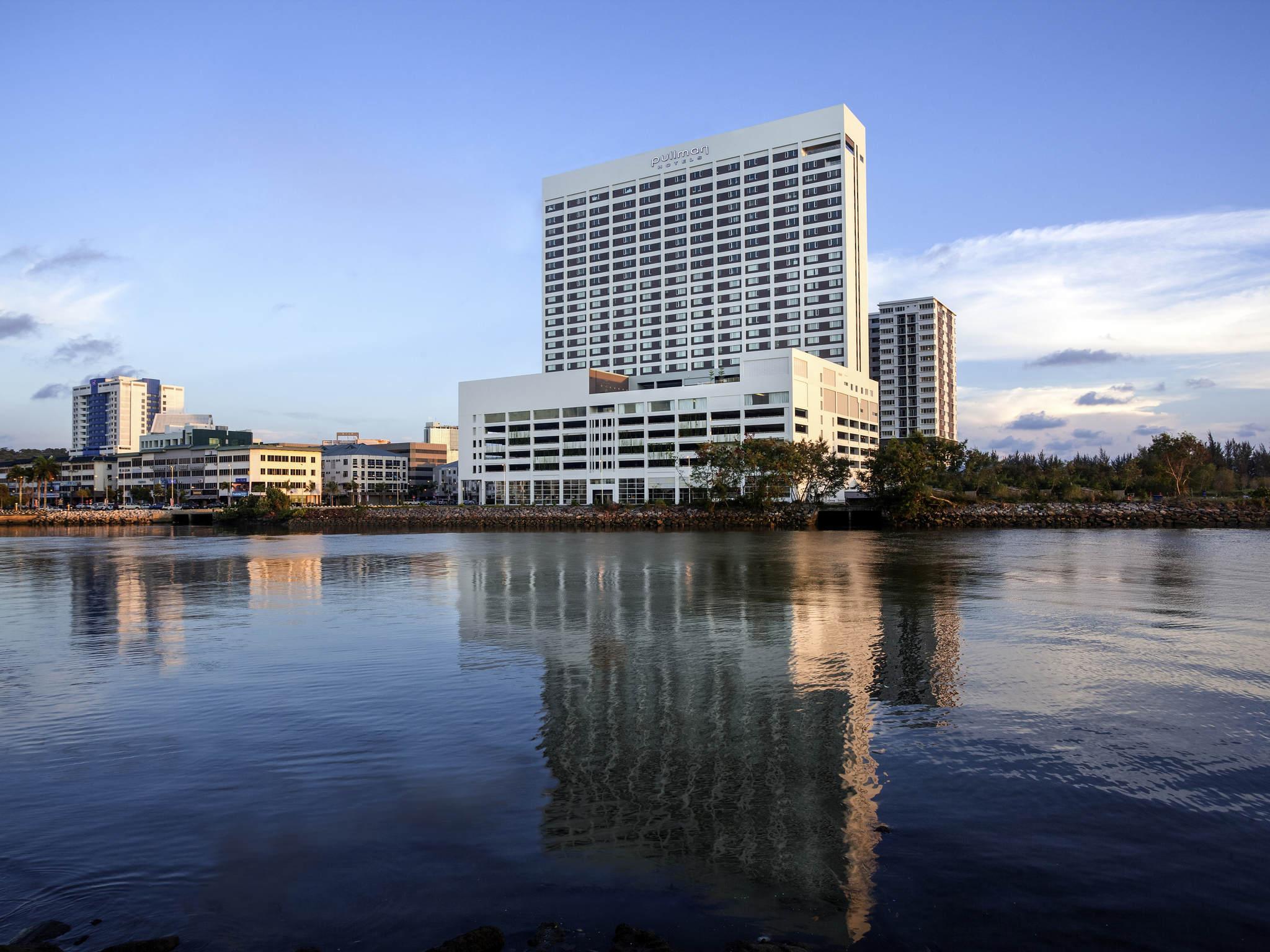Hotel – Pullman Miri Waterfront