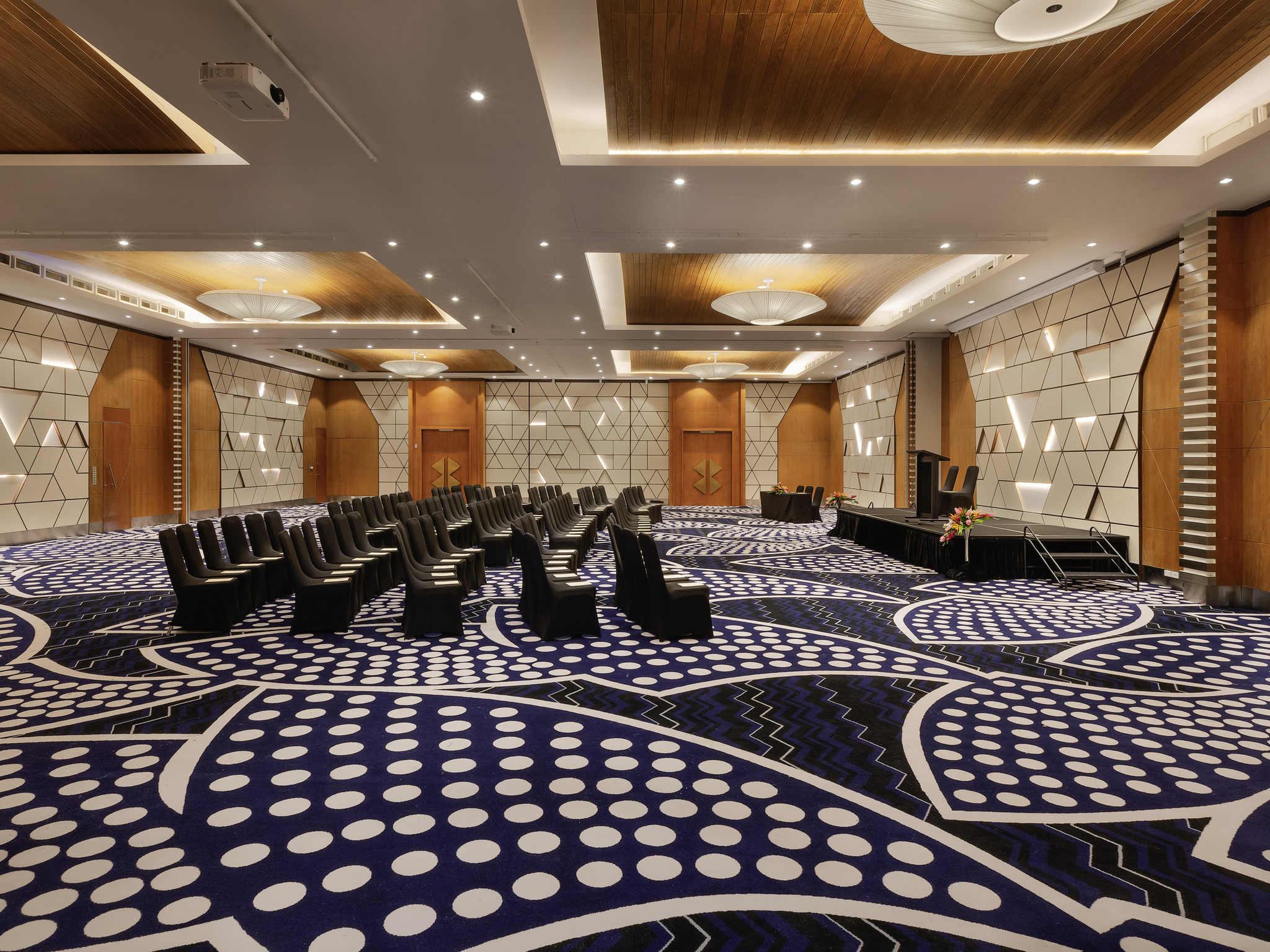 Pullman Nadi Bay Resort & Spa Fiji - Beachfront Hotel