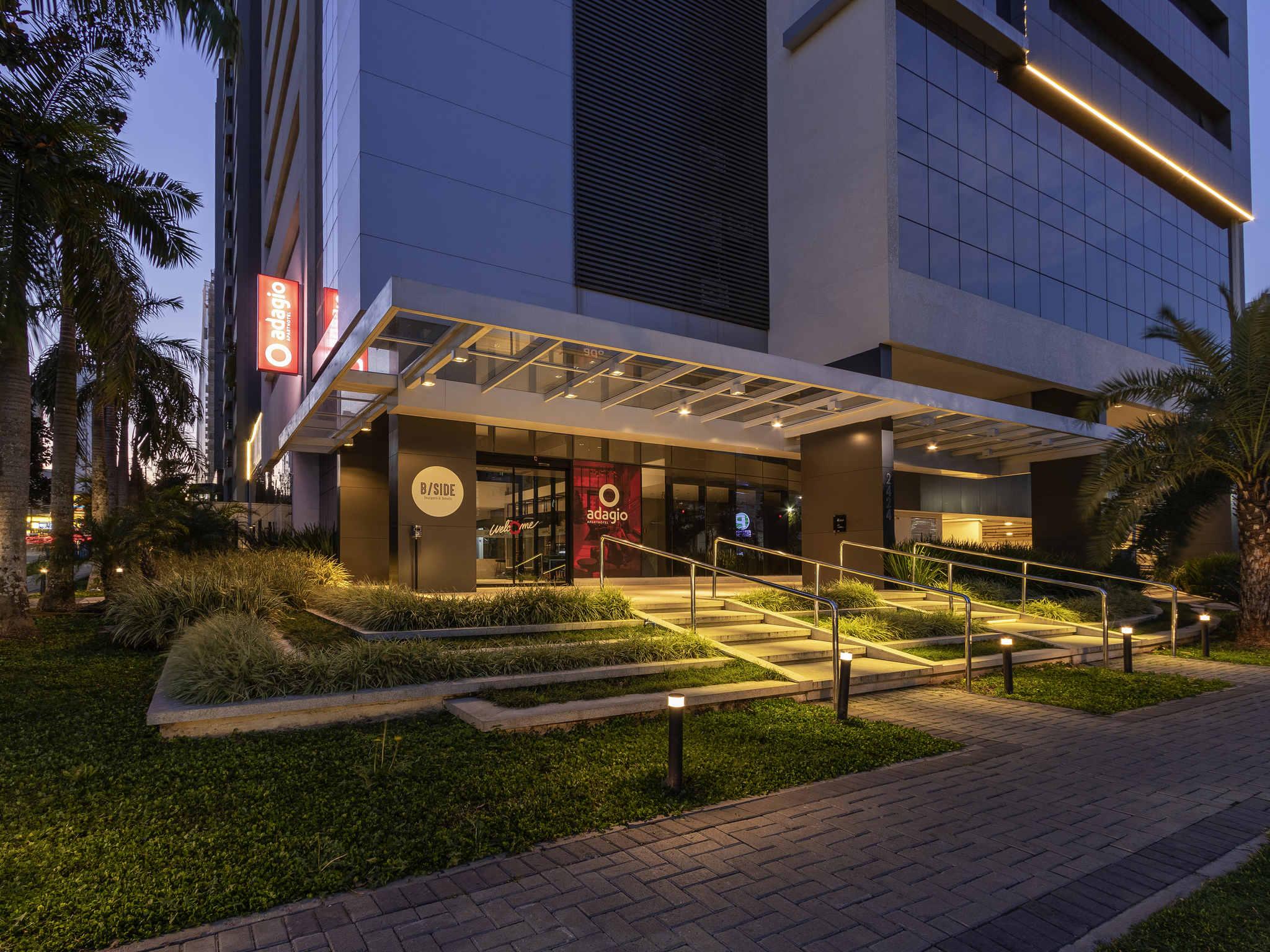 โรงแรม – Aparthotel Adagio Curitiba Batel