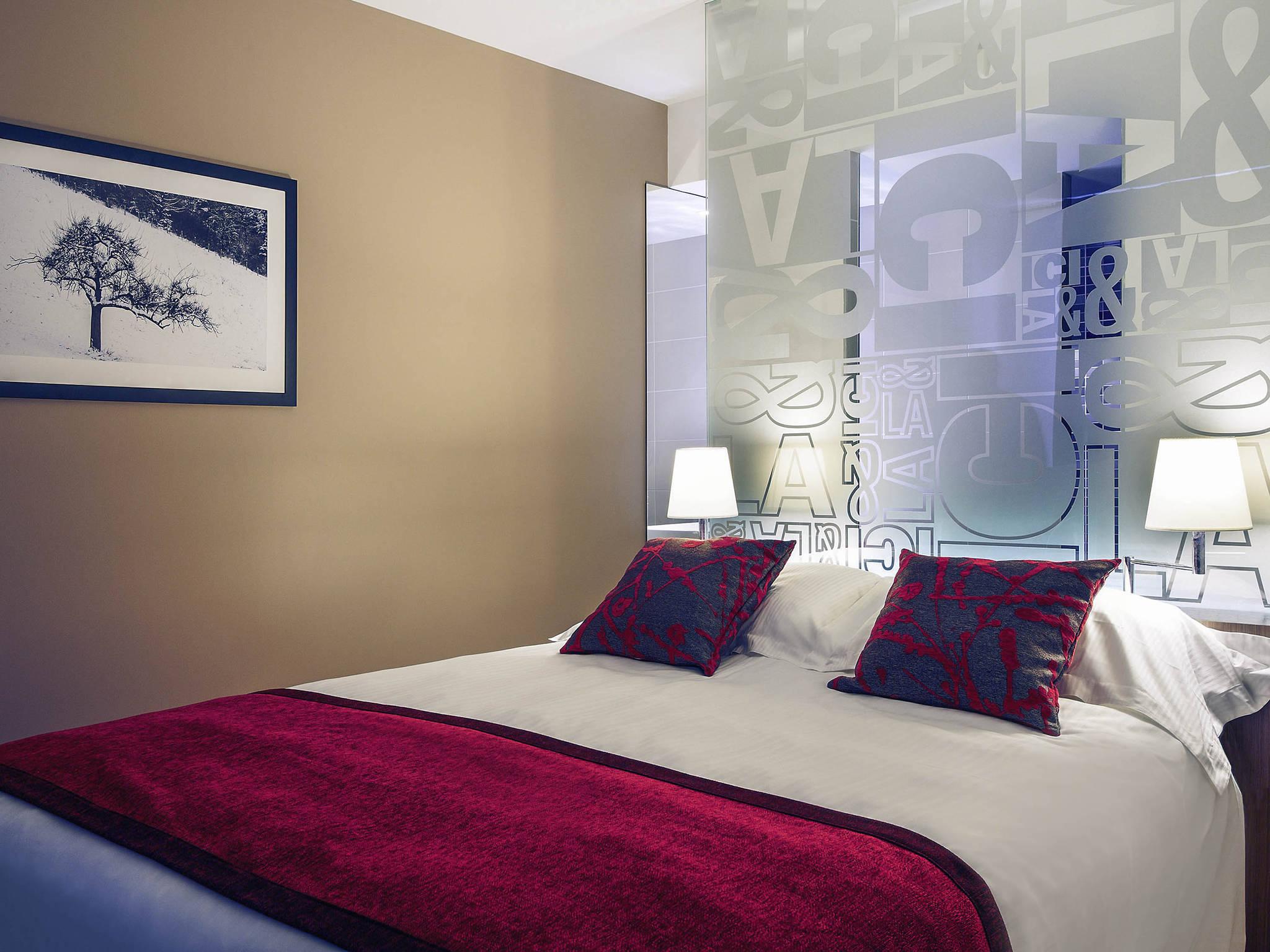 Hotell – Hôtel Mercure Villefranche en Beaujolais Ici & Là