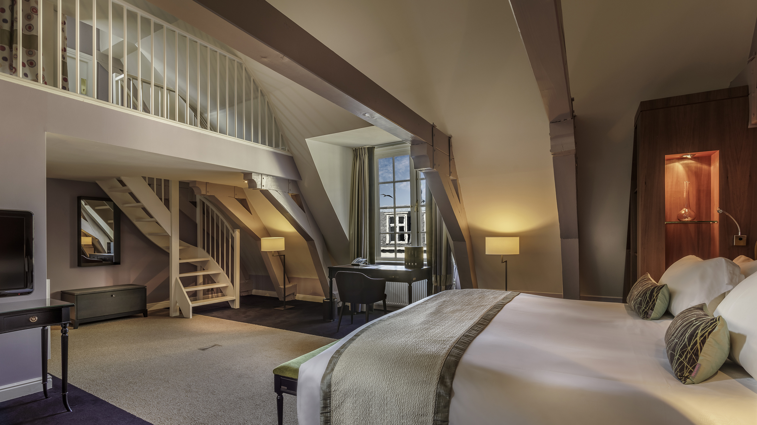Hotel de luxo amsterdam canal house suites at sofitel legend the grand amsterdam for Living room restaurants amsterdam