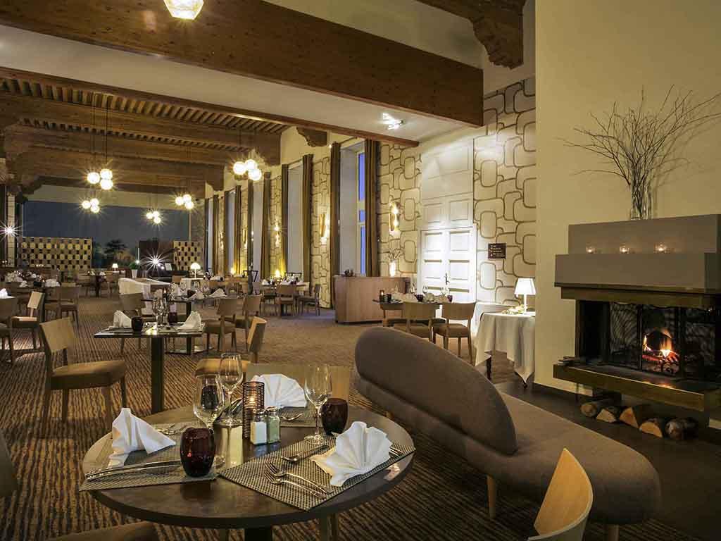 Restaurant brides les bains restaurants by accorhotels for Bains les bains restaurant
