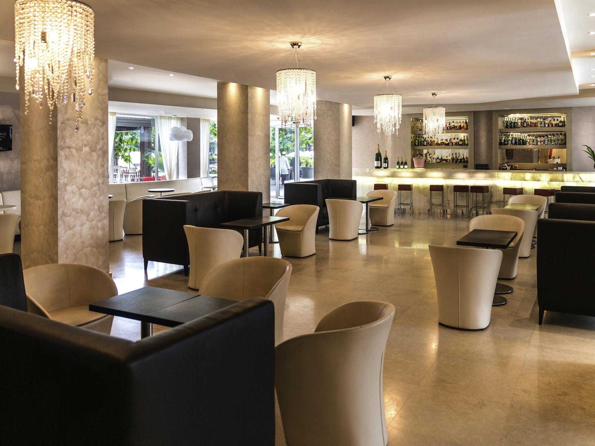 Отель — Grand Hôtel de Kinshasa