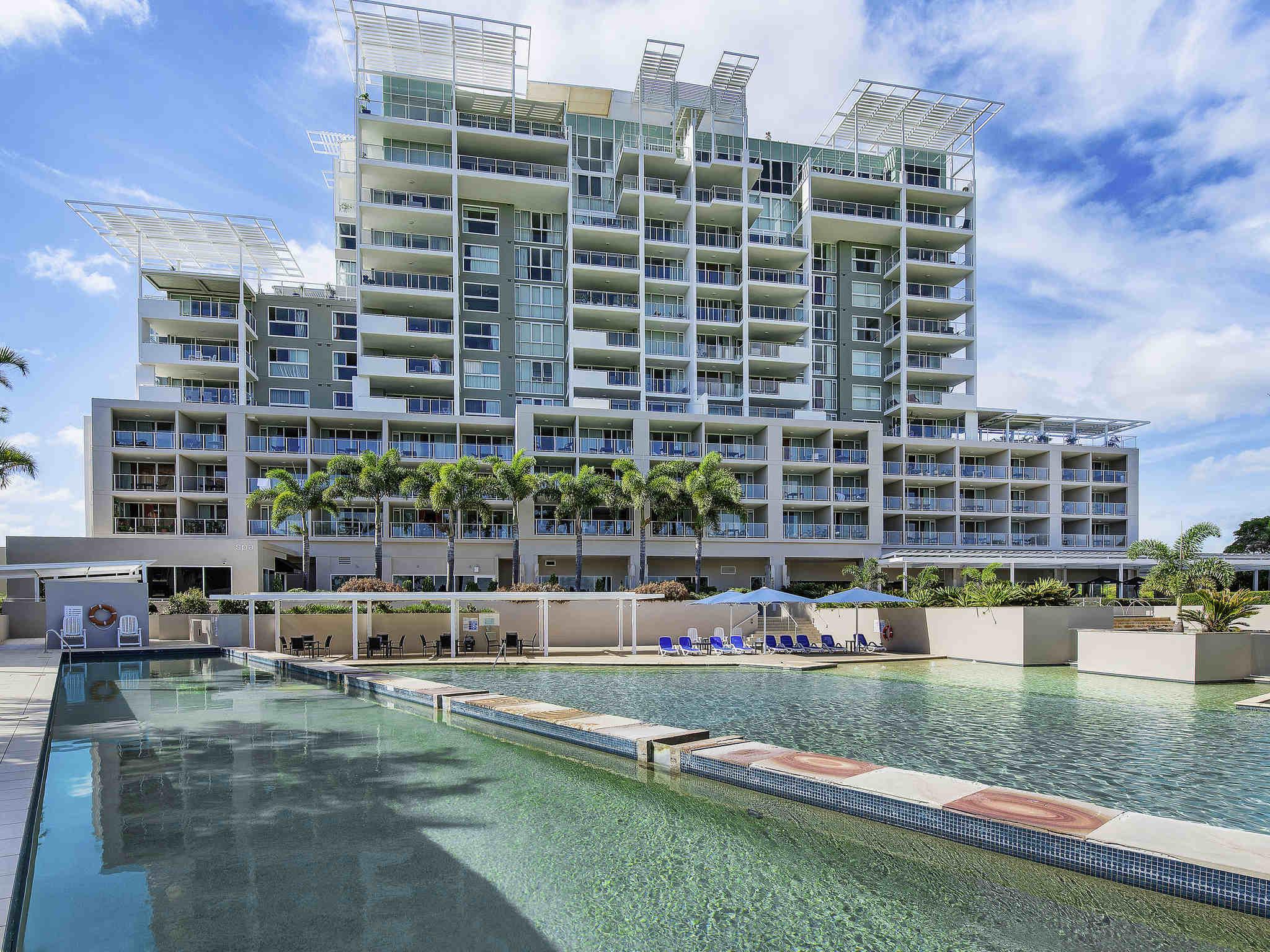โรงแรม – The Sebel Pelican Waters Resort