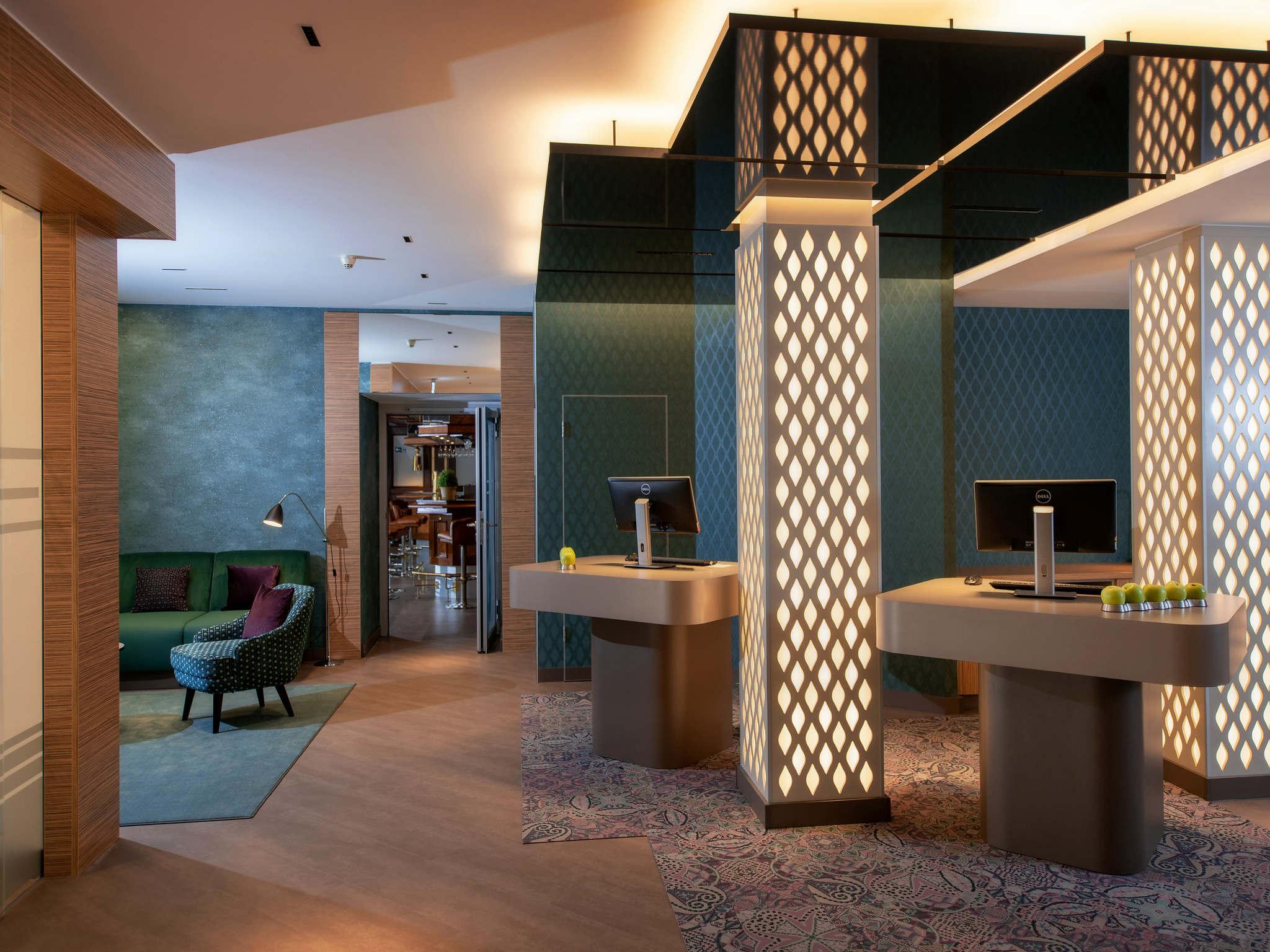 酒店 – 科隆贝尔福街美居酒店
