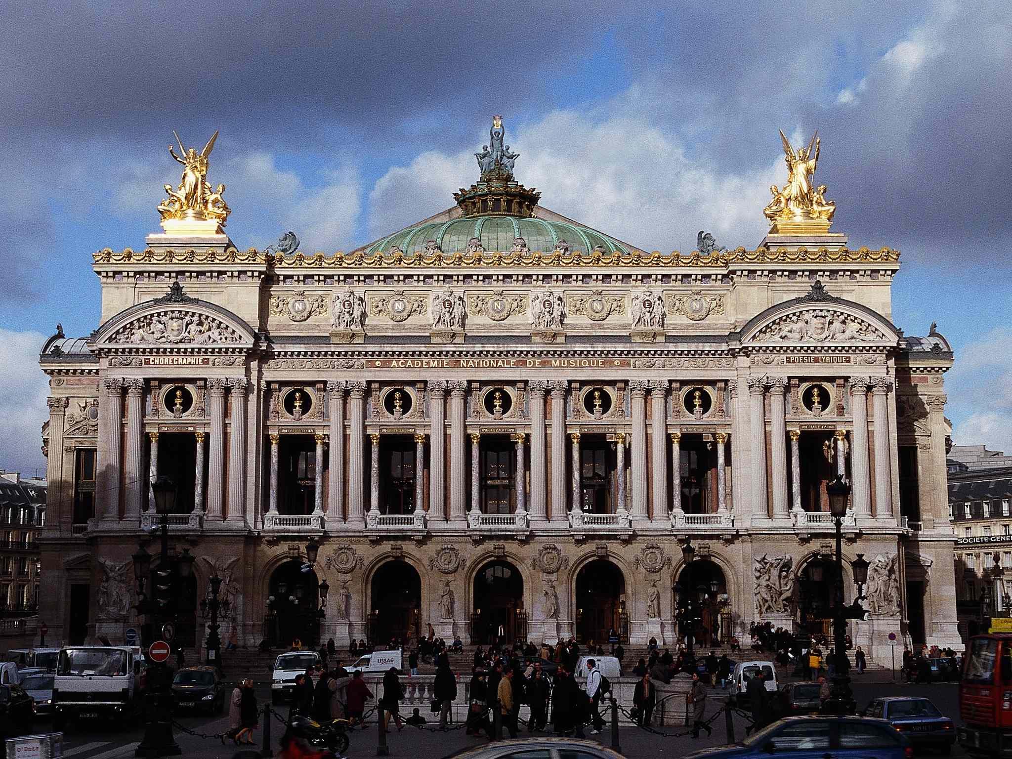 Hotel in paris mercure paris 9 pigalle sacre coeur hotel for Hotel im paris