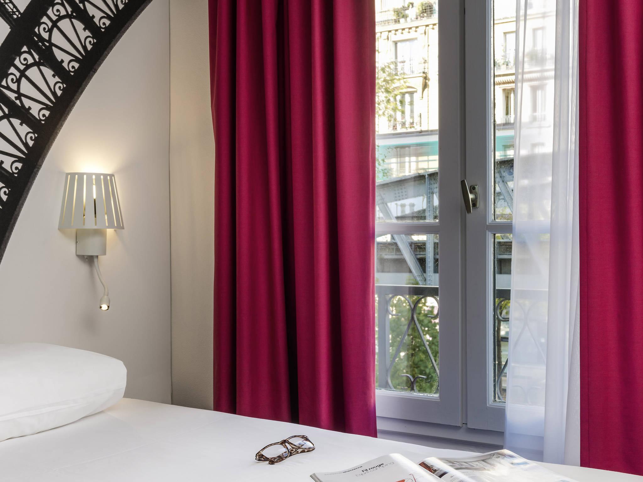 cheap hotel paris - ibis styles paris eiffel cambronne