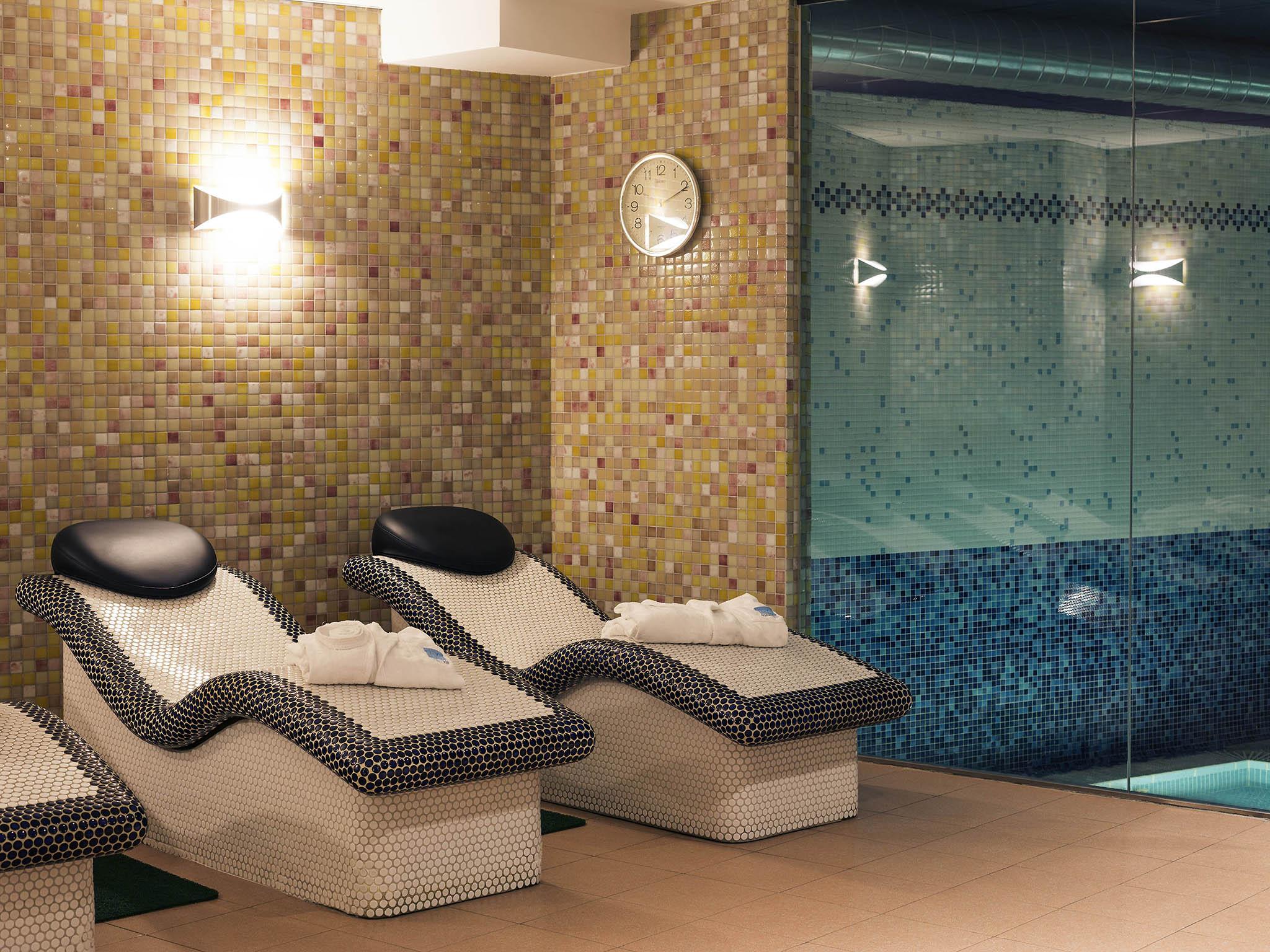 Hotel di mercure bilbao jardines de albia mercure bilbao for Jardines de albia spa