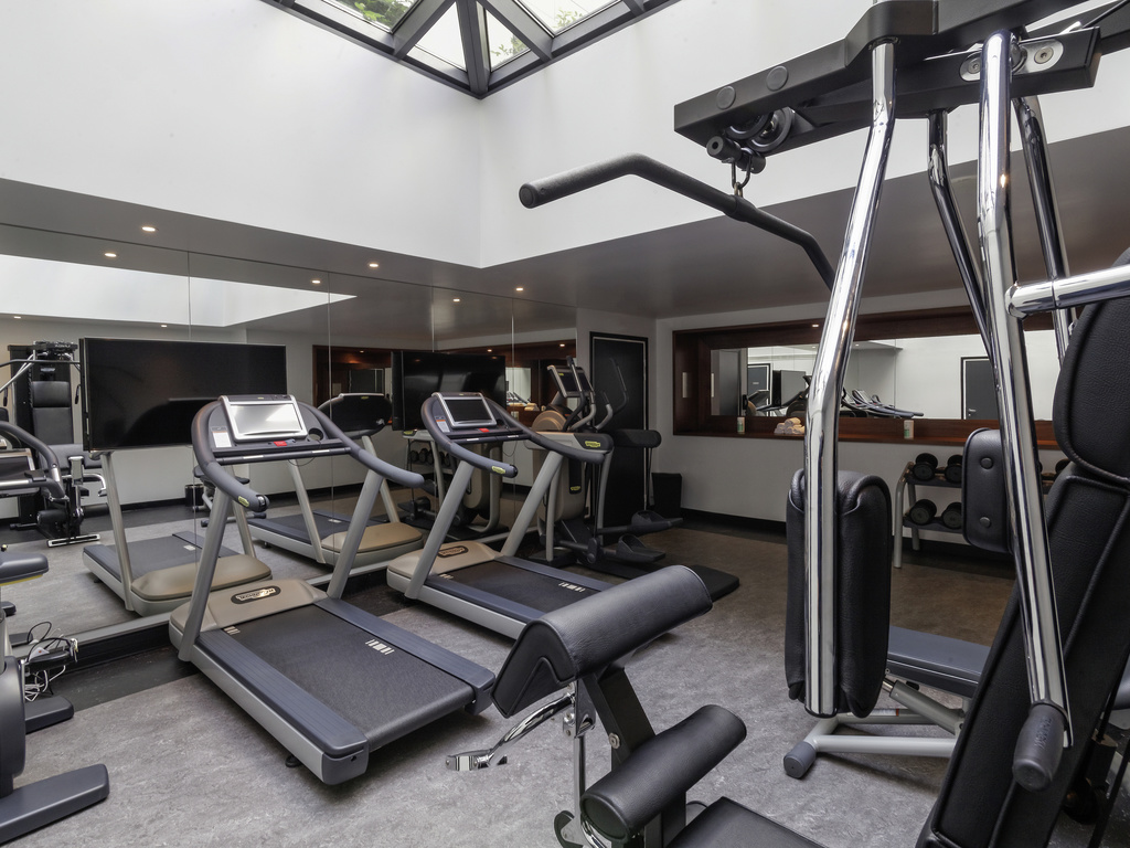 Home Fitness Room Design La E A on