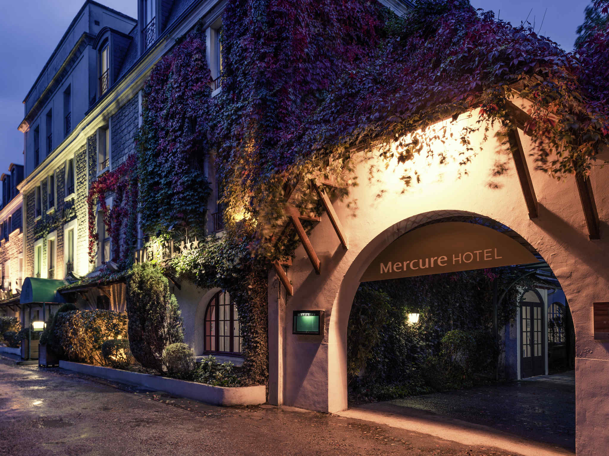 Отель — Hôtel Mercure Paris Ouest Saint-Germain