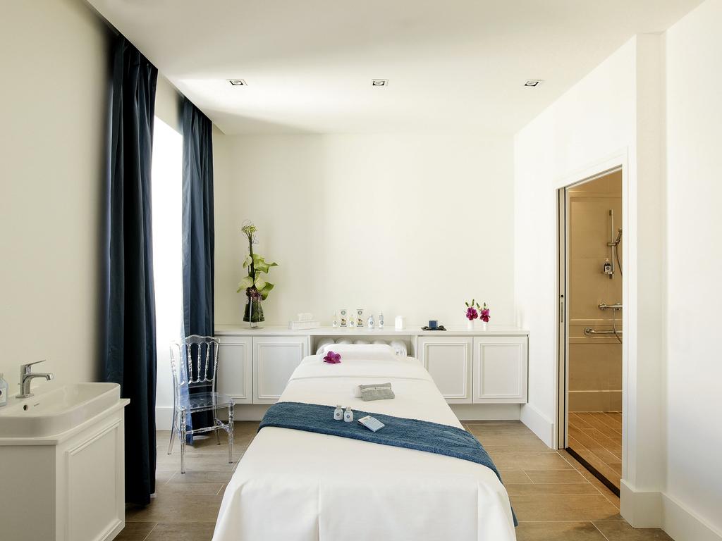 luxury hotel toulouse la cour des consuls hotel spa. Black Bedroom Furniture Sets. Home Design Ideas