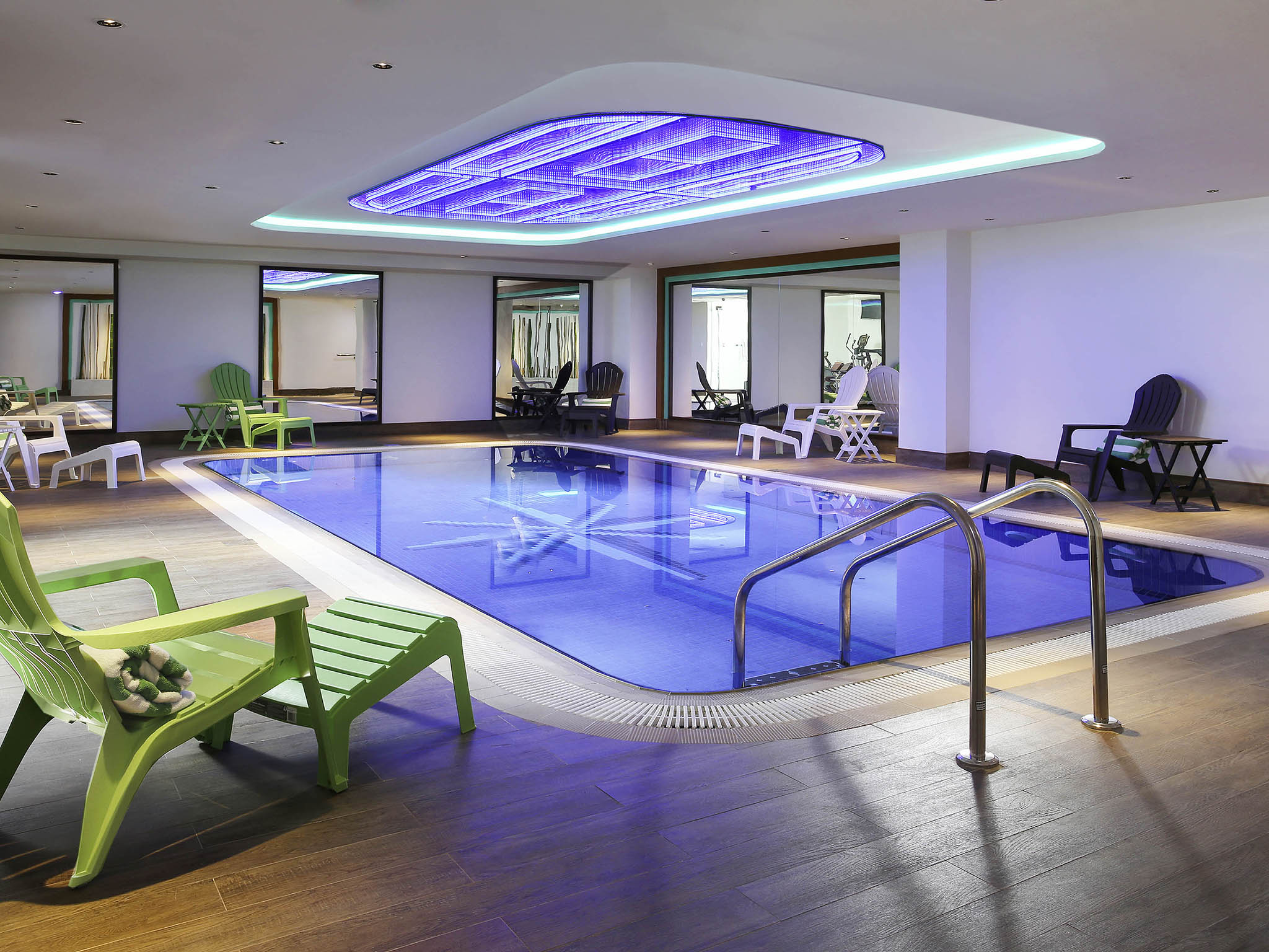 Hotel In Dubai Ibis Styles Dubai Jumeira With Pool Gym