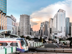 5-minute walk to Asoke BTS sky train and Sukhumvit underground stations, free shuttle Tuk Tuk