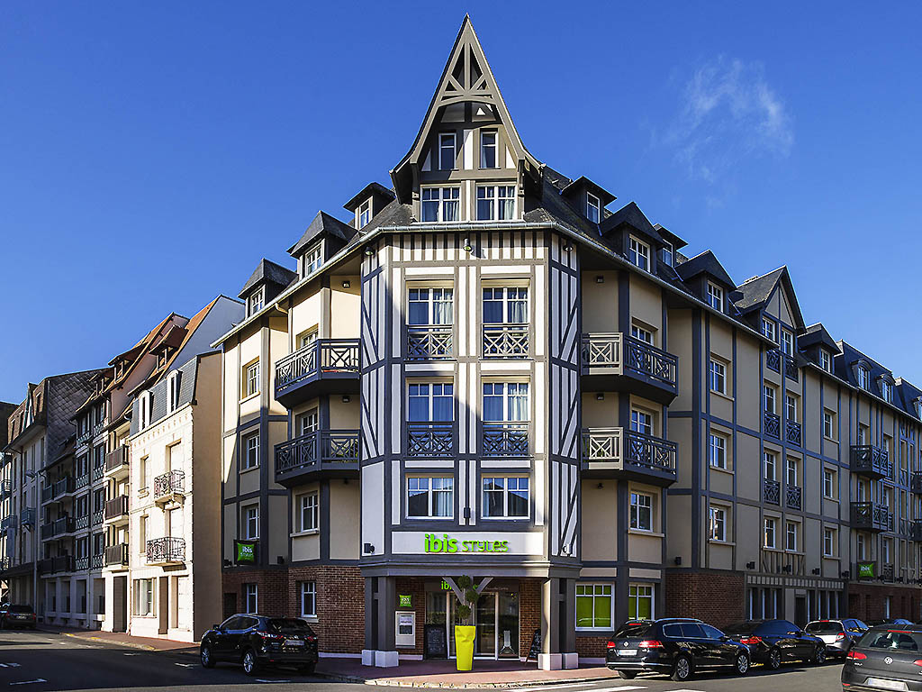 Hotel in deauville ibis styles deauville centre for Hotels ibis france