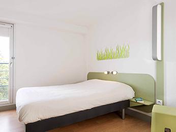 hotel pas cher beziers ibis budget b ziers est la giniesse. Black Bedroom Furniture Sets. Home Design Ideas