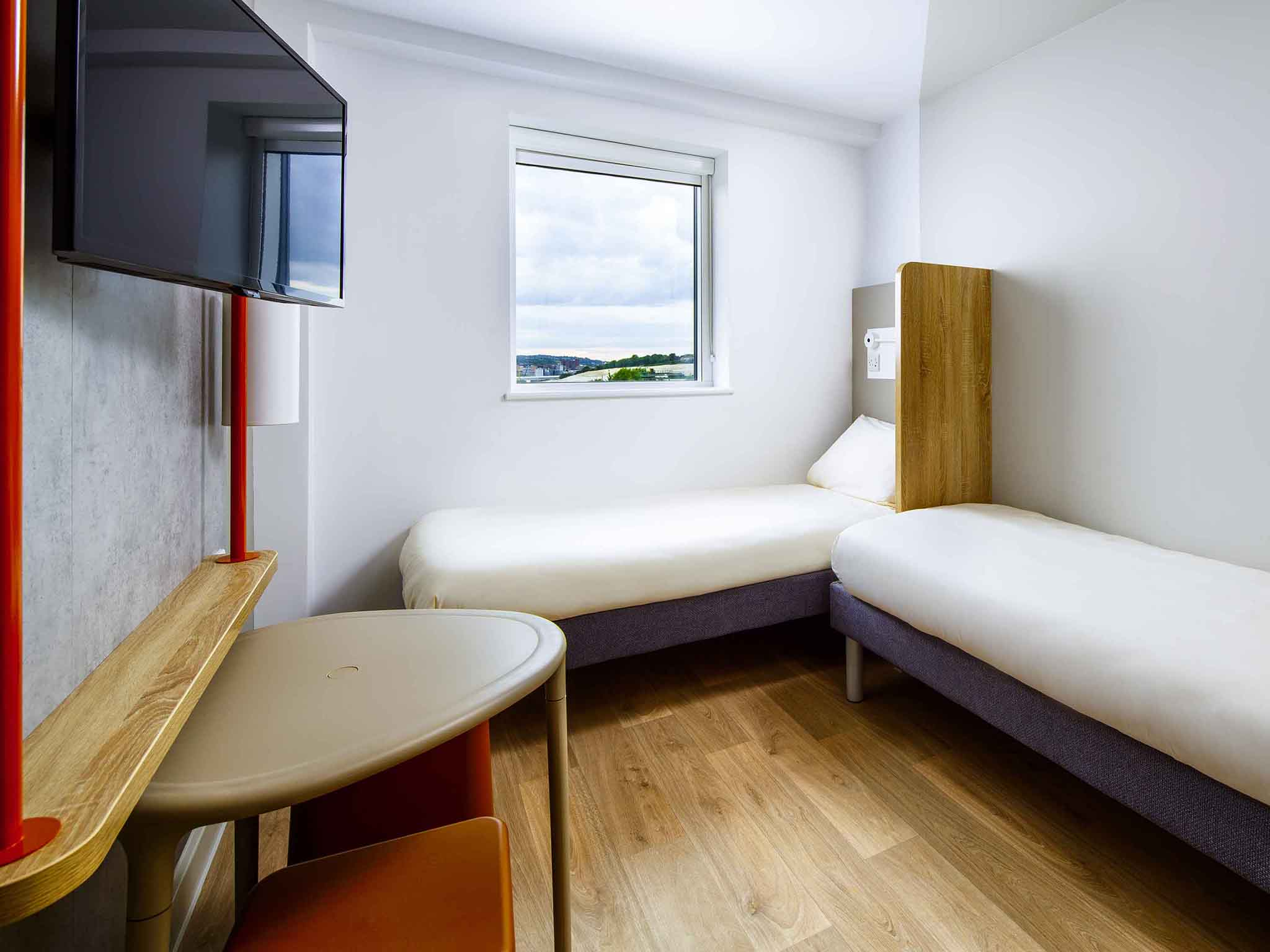 Hotel in luton ibis budget luton airport for Chambre airport