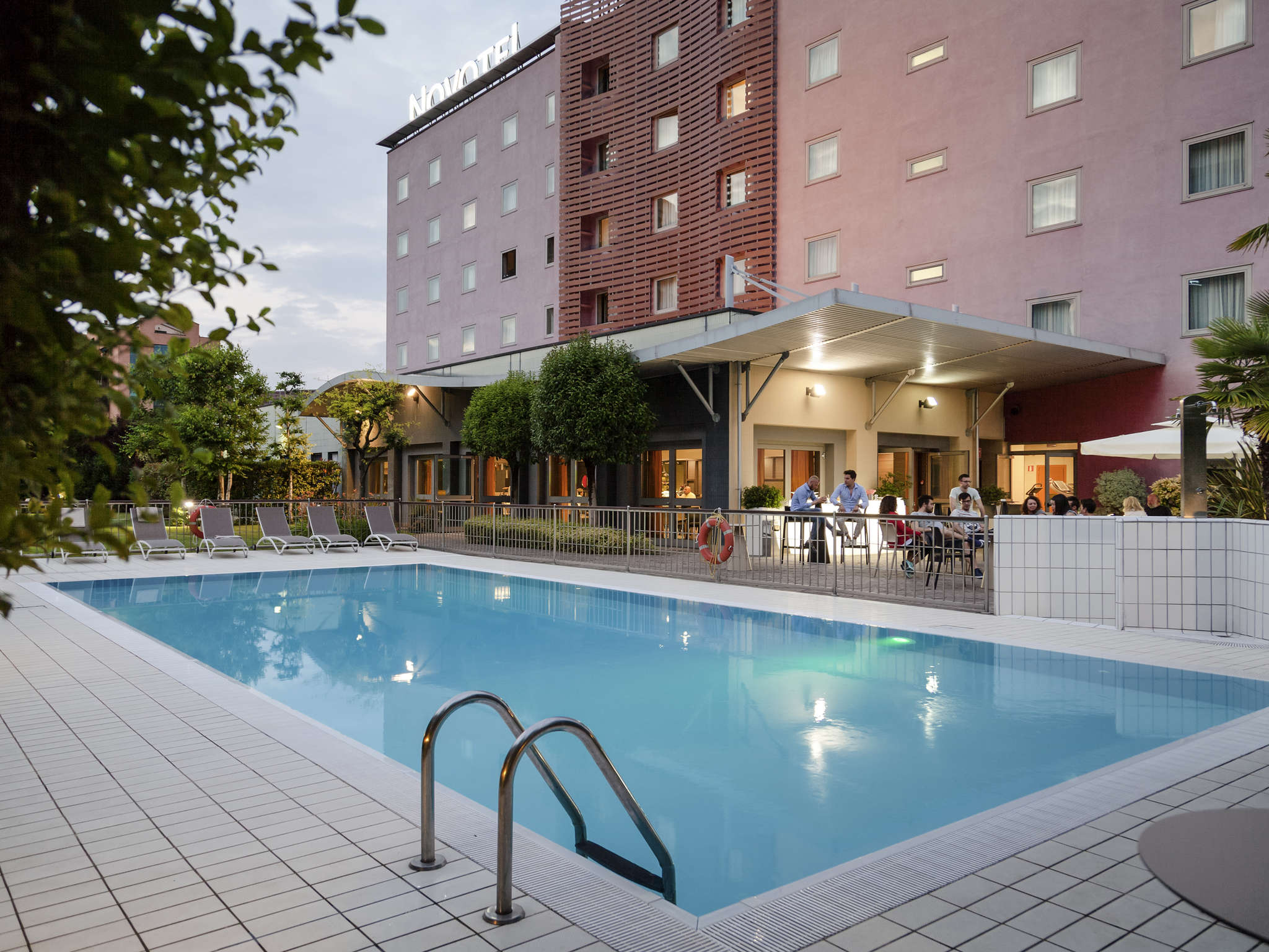 Awesome hotel novotel brescia with interior design brescia - Interior design brescia ...