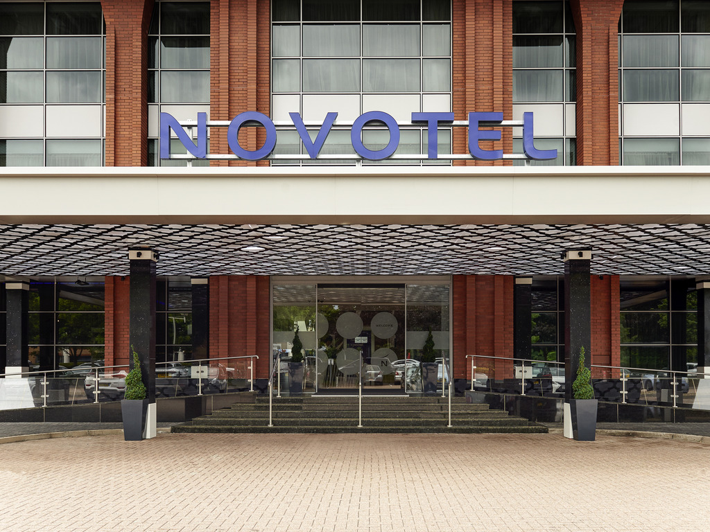 Novotel London Heathrow Airport T1 T2 ve T3