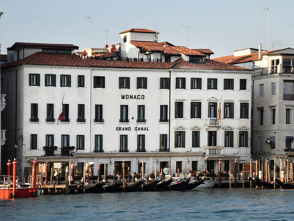 Hotel in venice monaco grand canal for Hotels monaco