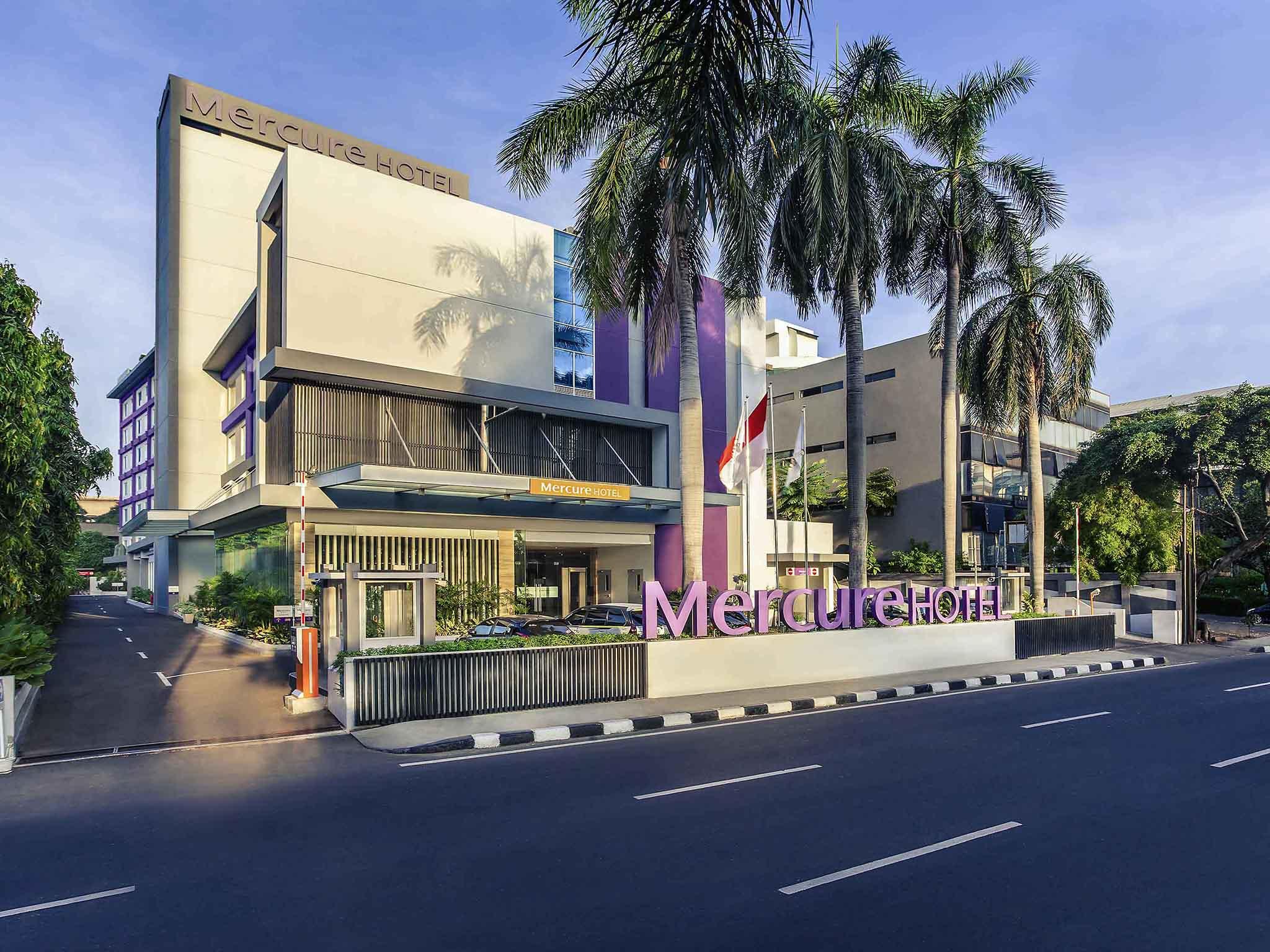 Отель — Mercure Джакарта Цикини