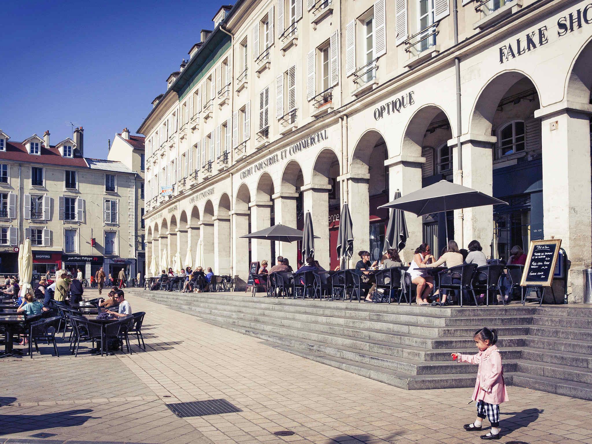 Hotel In Saint Germain En Laye Ibis Saint Germain En Laye Centre
