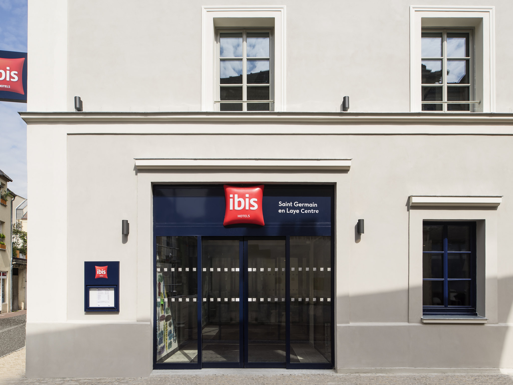 Perfect hotel ibis saint germain en laye centre with for Piscine saint germain en laye salle de sport