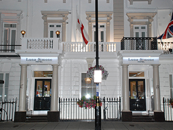 The Luna And Simone Hotel