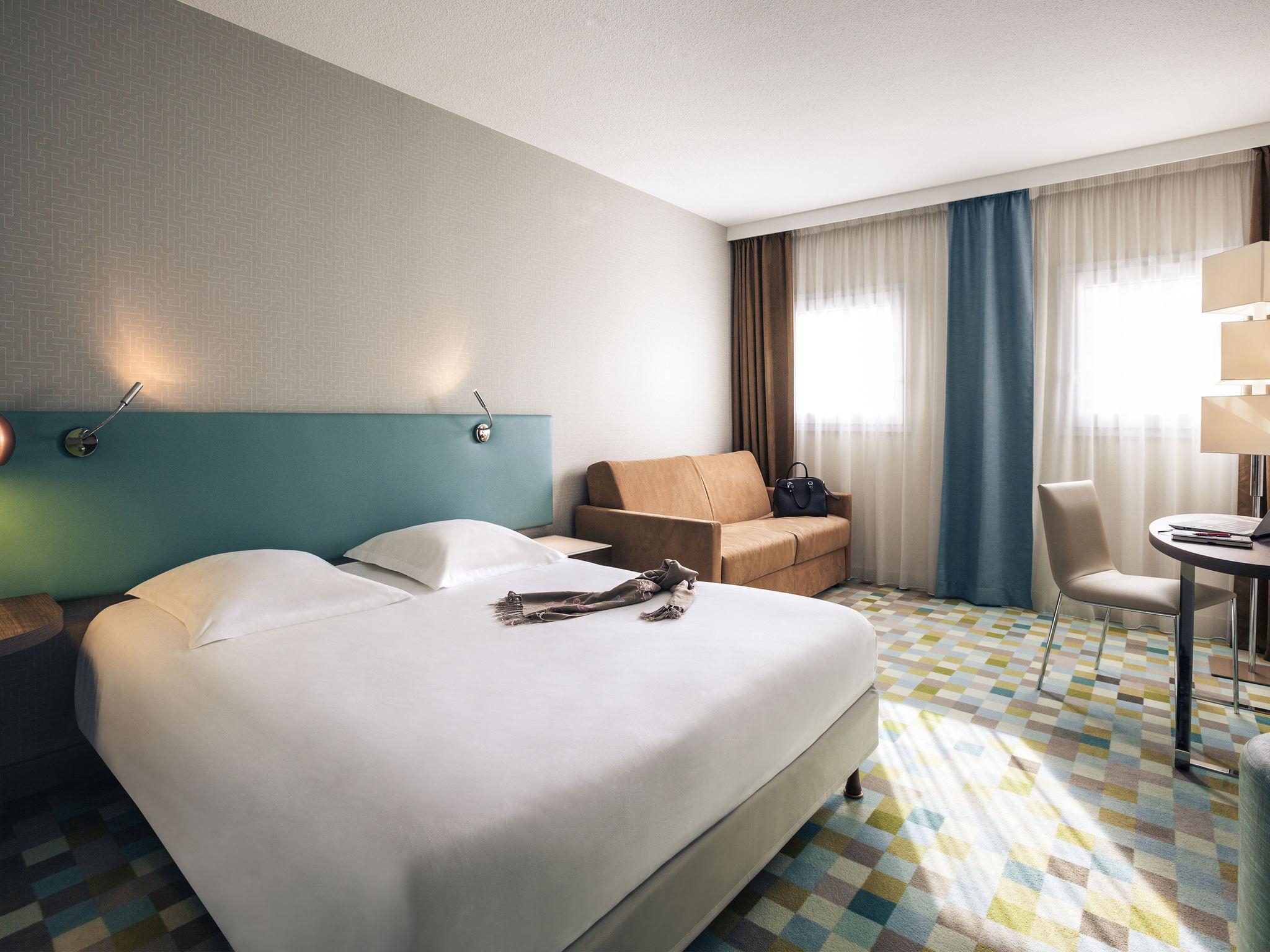 Отель — Hôtel Mercure Marne-la-Vallée Bussy-Saint-Georges