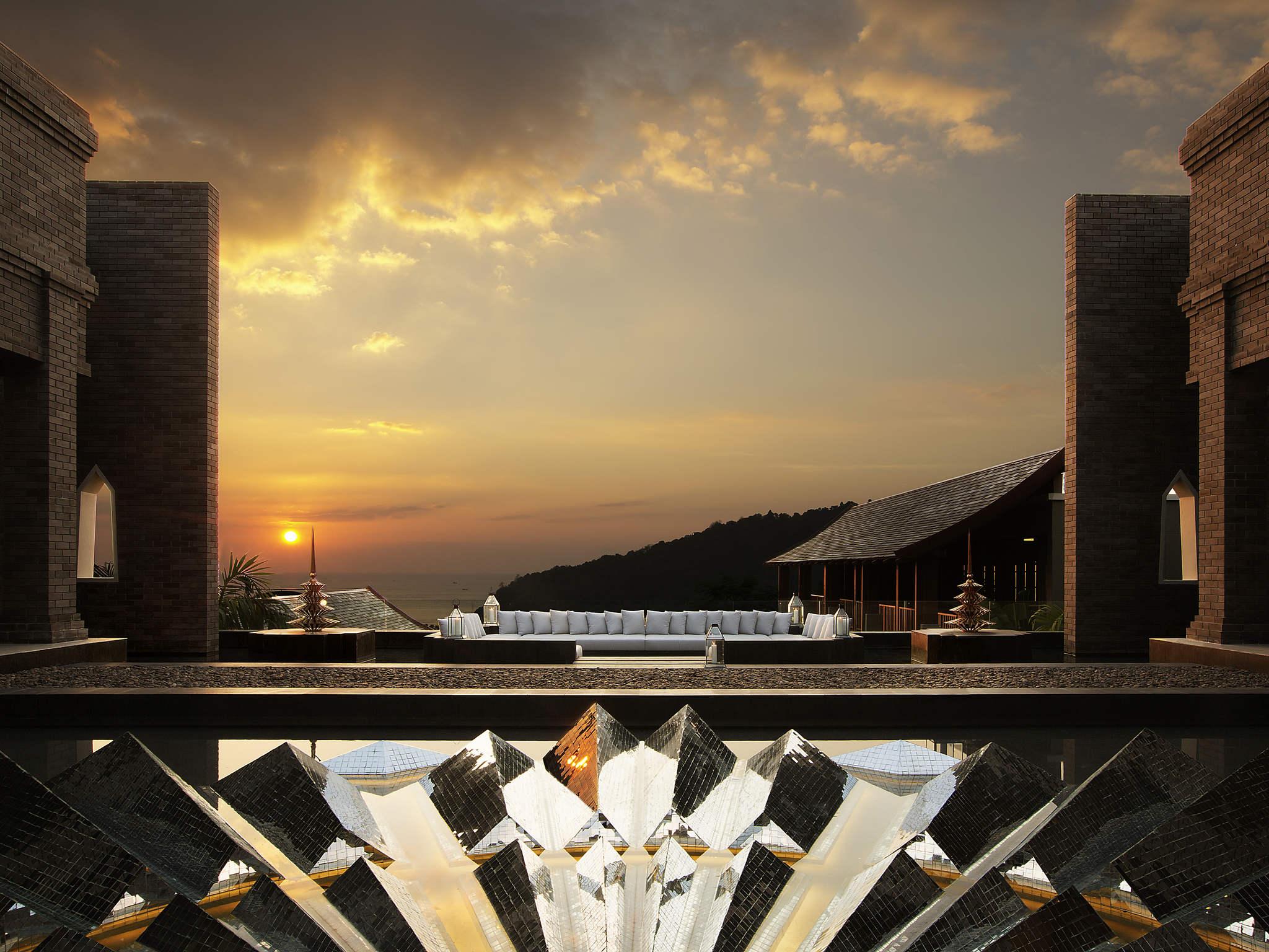 โรงแรม – อวิสต้า ไฮด์อเวย์ ภูเก็ต ป่าตอง - เอ็มแกลเลอรี บาย โซฟิเทล