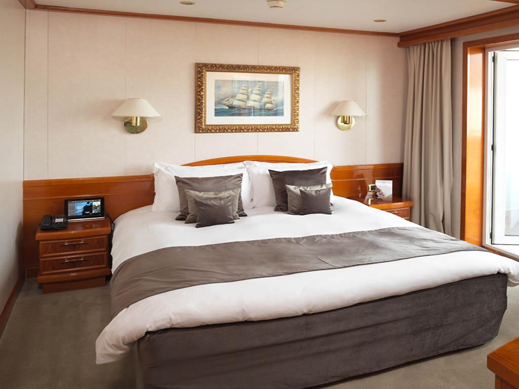 Hotel en londres sunborn london yacht hotel for Hotel habitacion familiar londres