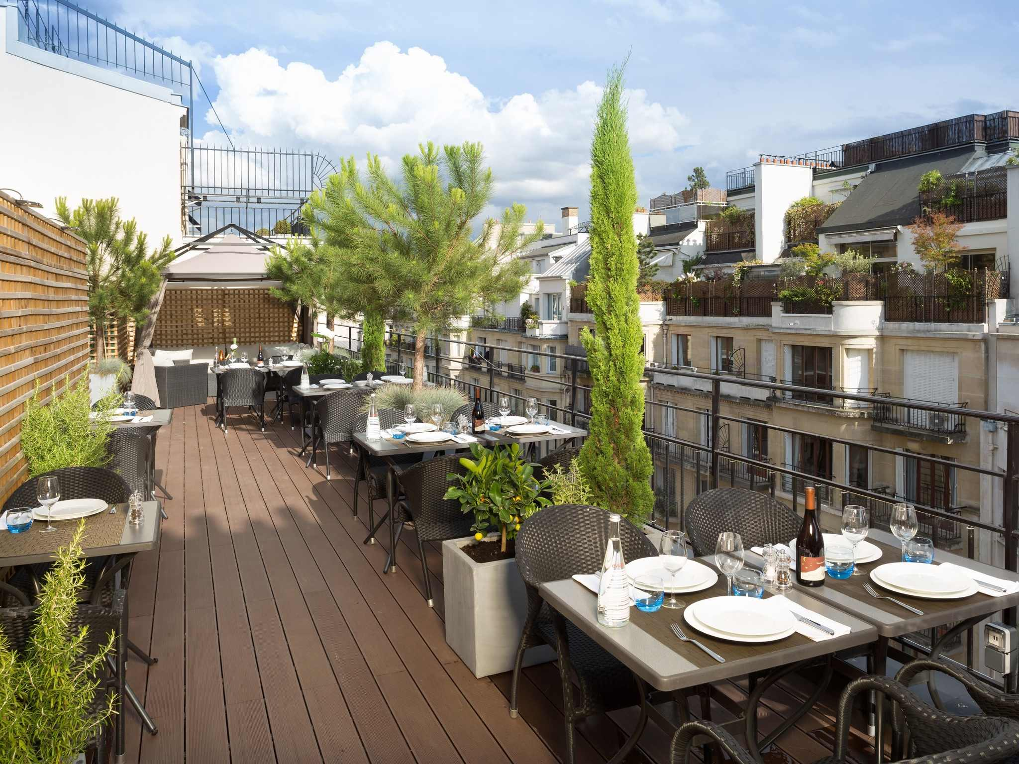 hotel in paris hotel juliana paris. Black Bedroom Furniture Sets. Home Design Ideas