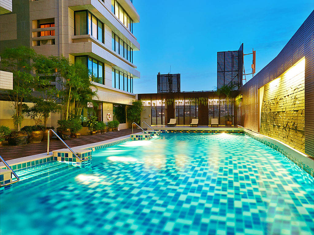 Hotel In Bangkok The Duchess Hotel And Residences