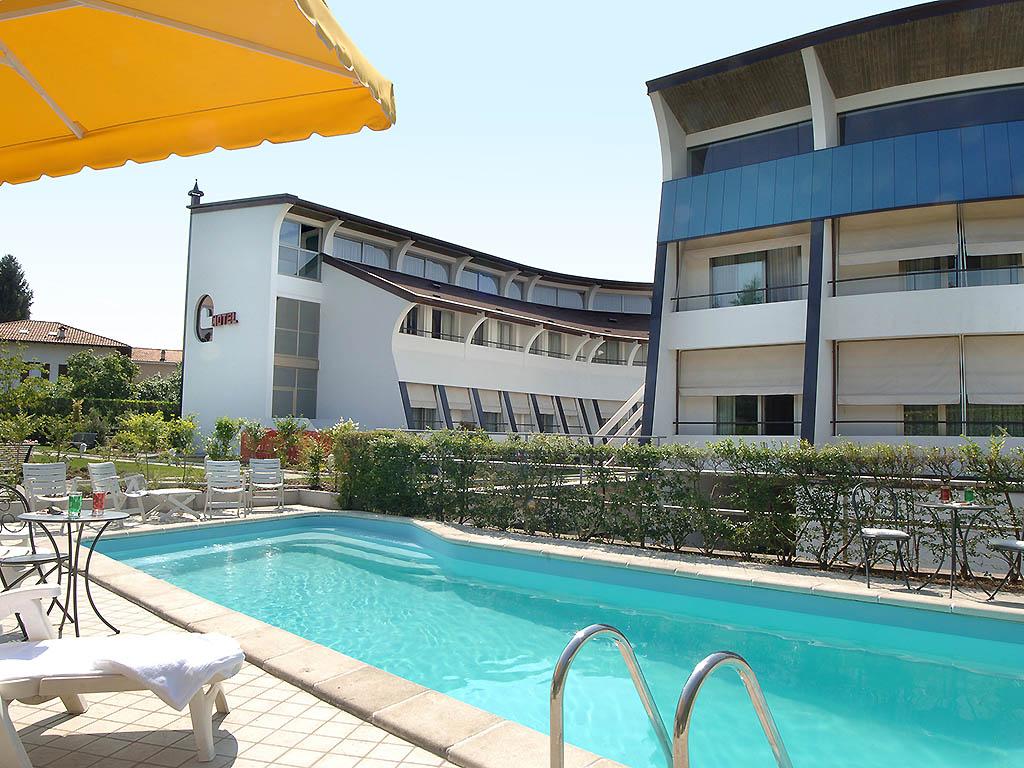cardano al campo milf personals Ascot hotel en cardano al campo: compara precios con booking, encuentra ofertas y reserva habitaciones de última hora.