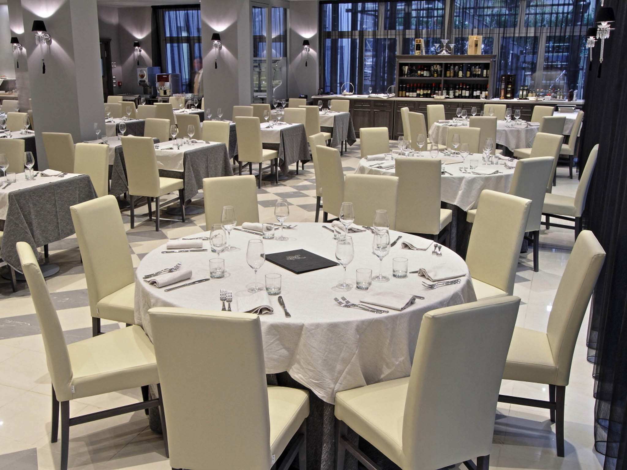 Hotel in casalecchio di reno boutique hotel calzavecchio for Casalecchio di reno bologna hotel