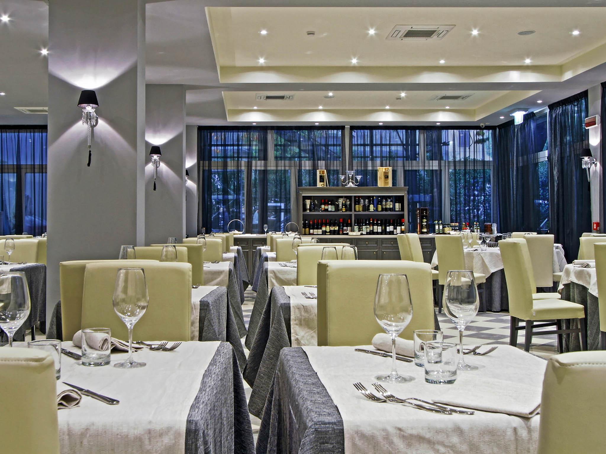 Hotel en casalecchio di reno boutique hotel calzavecchio for Hotel casalecchio bologna