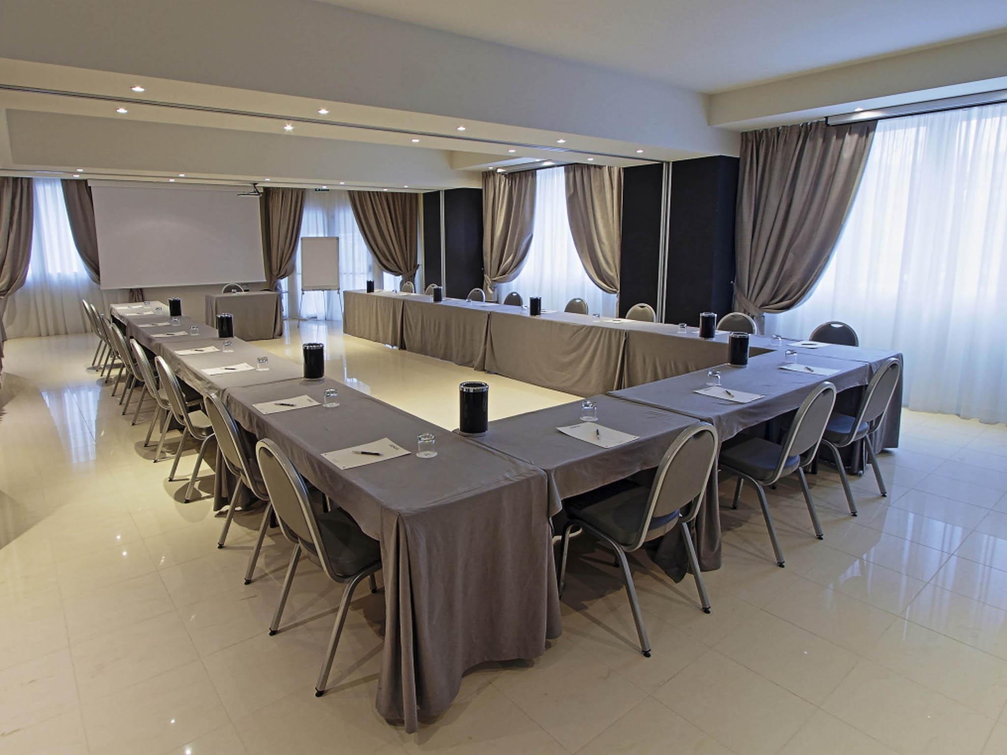 Hotel in casalecchio di reno boutique hotel calzavecchio for Hotel casalecchio