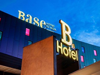Base Hotel To Work